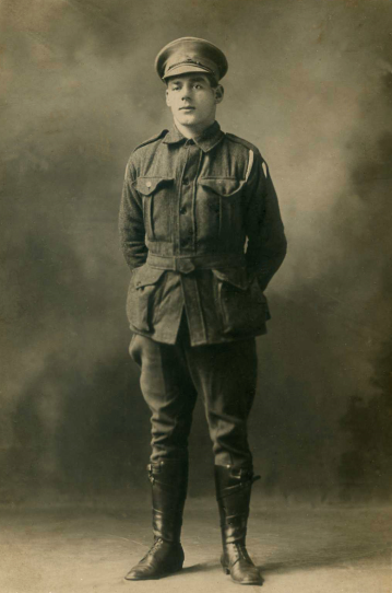 Photograph of Trooper Albert Edward Platt in army uniform