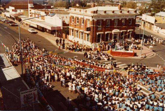 Parkes Centenary October 1983 gathering at Chamberlain Square. Photograph courtesy of the Jim Buckley Collection