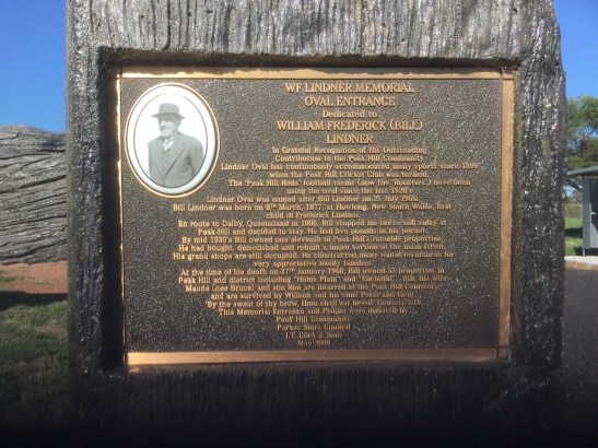Photograph of the plaque at the entrance to Lindner Oval, Peak Hill. Photograph by Councillor Louise O'Leary taken on February 5th 2016