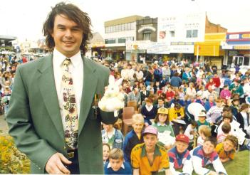 tephen received a street parade and civic reception in September 19, 1992. These photos demonstrate the strong support for the first Olympian from Parkes Shire in nearly 40 years. Photos courtesy of John and Brenda Davies