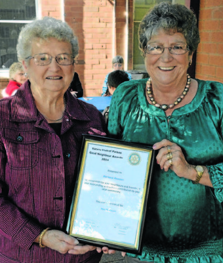 Mavis Moon (left) with recipient, Barbara Rawson. Source: Parkes Champion Post 18 May 2014