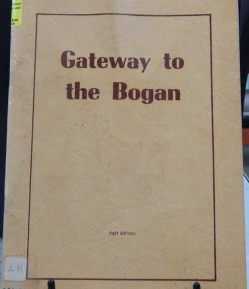 Gateway to the Bogan details the fascinating history of Bogan Gate. This book can be found in the Family & Local History resource room. Photography: Dan Fredericks (Parkes Library) taken on Friday 3rd March 2017