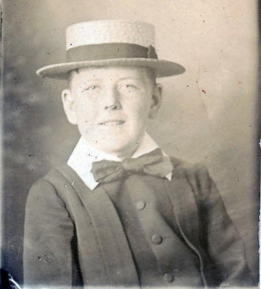 Young Cobden Parkes. Born on August 2nd 1892, he was the youngest of five surviving children born to Sir Henry Parkes and Eleanor Dixon. When Cobden was born his father was 78 and his mother 35. Source: Our Family Past website