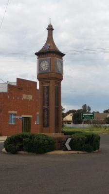 Photograph of the Bogan Gate cenotaph. Source: War Memorial Register website