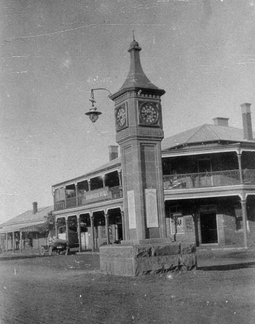 Photograph of Bogan Gate war memorial, circa 1920s. Source: State Library of NSW