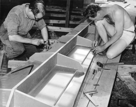 Template ribs being worked on by Sid Thomas (left) and a shirtless Horst Jilinek. Source: Ron Tindall (photographer)