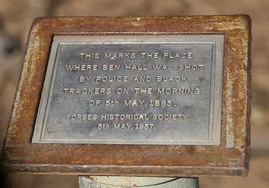 Plaque marking the place where Ben Hall was shot. It is located in Nelungaloo and the plaque was placed by the Forbes Historical Society. Source: Flickr website