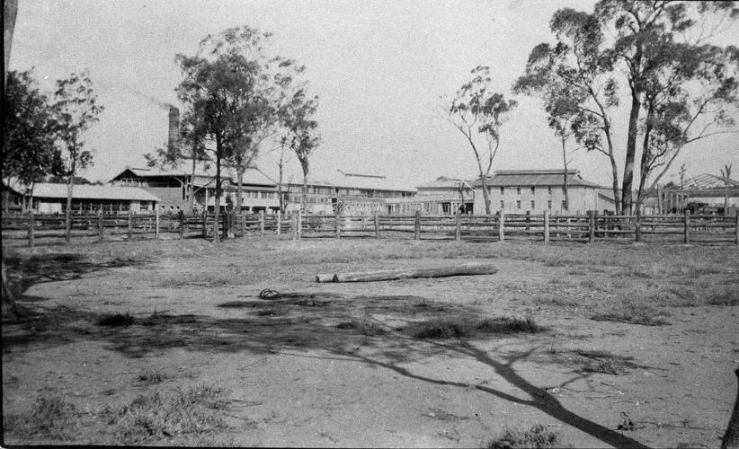 Built by William Angliss & Co - Between Parkes and Forbes (Daroobalgie), NSW. Source: NSW State Library Archives