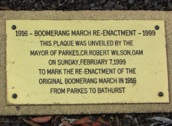 Plaque commemorating the Boomerang March Re-enactment in 1999 from Parkes to Bathurst going via Daroobalgie. Source: Monument Australia website found at http://monumentaustralia.org.au/australian_monument/display/107671